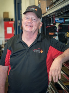 Ray Betts, Technician, Cardinal Plaza Shell, Springfield, VA